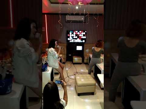 Dangerous Woman karaoke