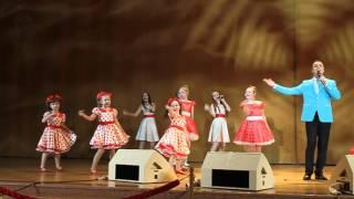 """Иван Ильичев и Театр песни """"Планета детства"""" - """" Мамины глаза"""""""