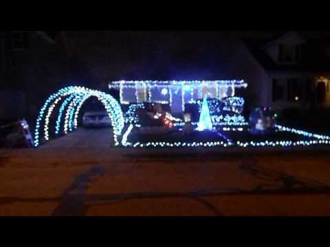 2013 McClure Family Christmas Lights using Gemmy Holiday Lightshow and Timer