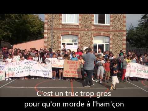 Manif en chanson à l'école Berthelot (Saint-Brieuc)