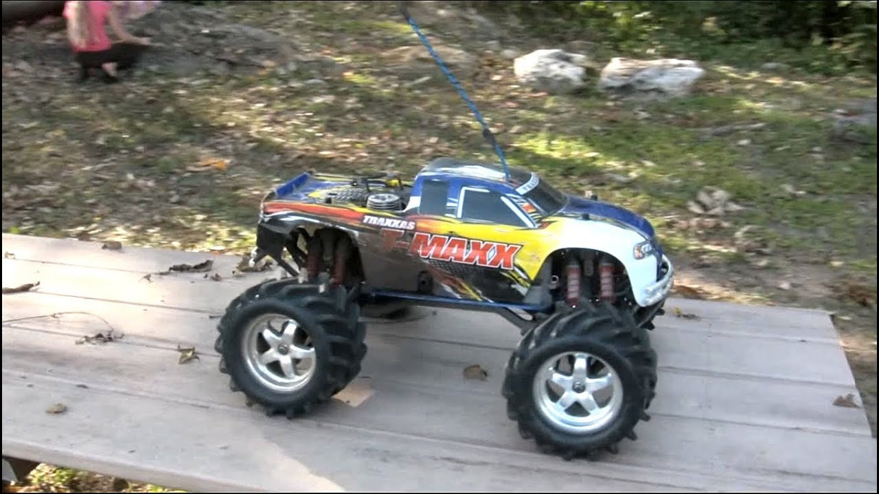 traxxas t maxx 2 5 nitro rc truck fun youtube. Black Bedroom Furniture Sets. Home Design Ideas