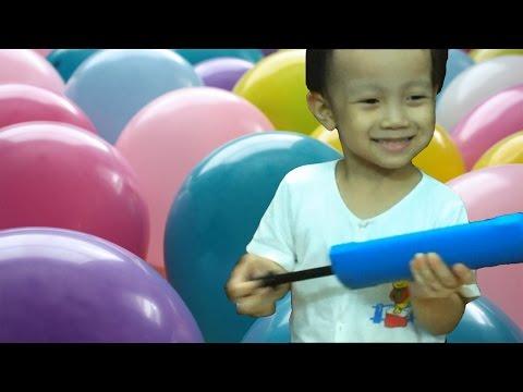Balloons for Children - Kid plays Balloons Fun Fun (Bé chơi bong bóng)