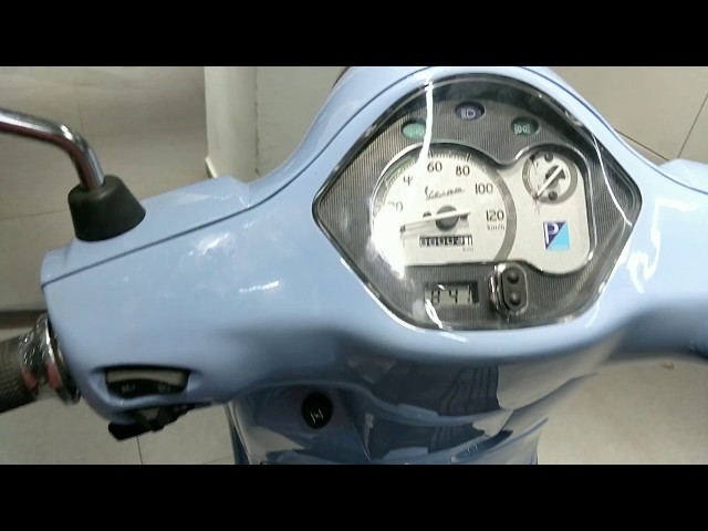 Vespa VXL Sky Blue Azzuro Provenza 125 || first looks