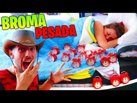 DESPIERTO A PATTY CON 20 DESPERTADORES ALARMAS A LA VEZ !!! BROMA MUY PESADA !! Makiman