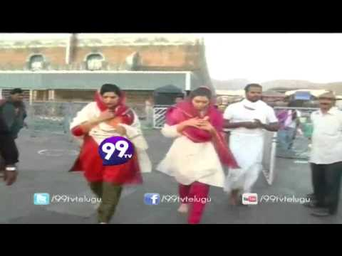 Actress Hansika Motwani offers prayers at Lord Venkateswara Temple at Tirumala - 99tv
