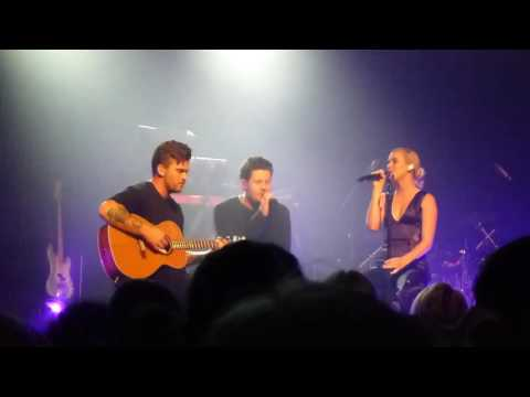"Broods: ""1000x"" (with Jarryd James) (Live @ Enmore Theatre, Sydney, 09/07/16)"