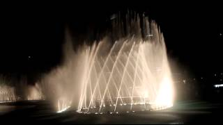 The Amazing Dancing fountain HD , Celine Dion - The Prayer. Dubai Mall, Burj Khalifa