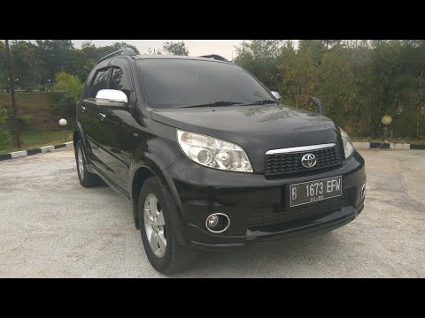 Toyota Rush 1.5 S M/T (2011) Start Up & Review Indonesia