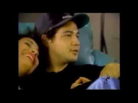 Selena Quintanilla en casa con su esposo Chris Perez.