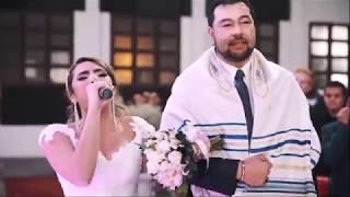 Download lagu Noiva entra cantando Yeshua e a Presença De Deus Se Faz Presente MP3