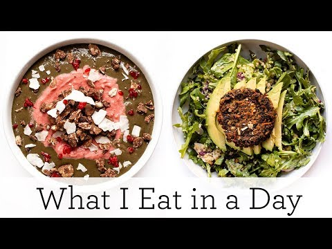 WHAT I EAT IN A DAY (VEGAN) ‣‣ fast meals for a busy day