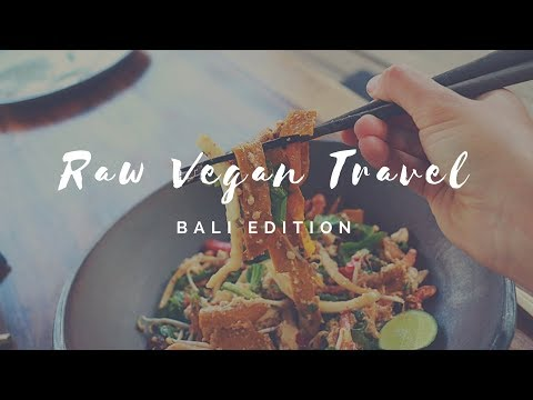 RAW VEGAN IN BALI || what we eat as nomadic herbivores + ENGAGEMENT!
