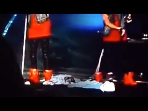 justin bieber kicks and disrespects argentine flags during concert