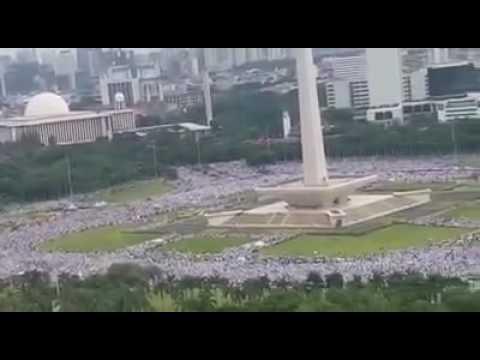 3-4 million Muslims protesting and praying Jummah in #Jakarta, #Indonesia