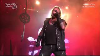 Motley Crue - Dr Feelgood Live 2015 Vince looks like a fat Elvis!