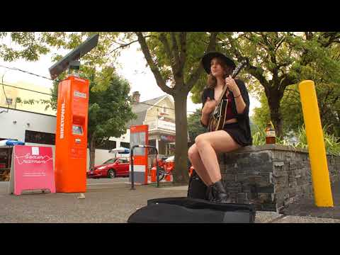 Julia Smith Live at NW 23rd Avenue - Sept 7th 2017