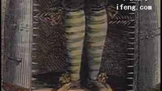 酷刑铁少女裤衩 恫吓顽固女囚犯