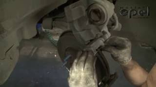 Замена передних тормозных колодок на OPEL ASTRA