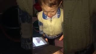 Малыш увидел на фейсбуке как сбили собаку.