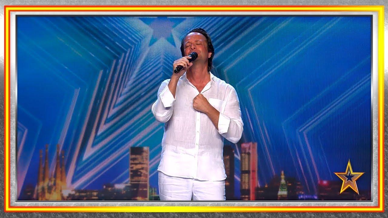 Es holandés ¡y un impresionante imitador de Julio Iglesias!   Audiciones 1   Got Talent España 2019