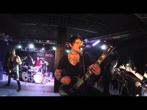 Escape the Fate live ASHLEY @LegendClub Milano