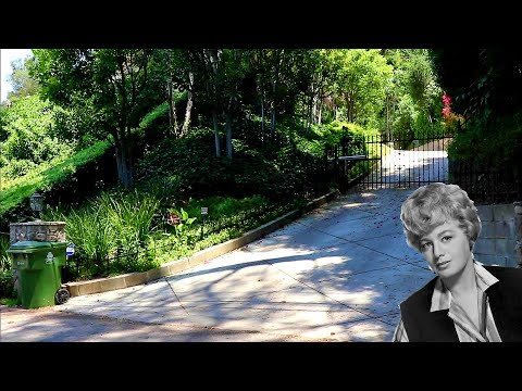 #335 (7/7/2017) SHELLEY WINTERS' EX-PRESIDENT EXORCISM Story