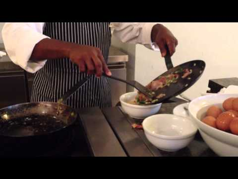 vlog #335 - Breakfast of the champions @ Hotel Hilton, Malabo, Equatorial Guinea. apr. 2012
