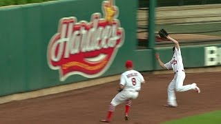 SD@STL: Robinson sprints to make a great catch