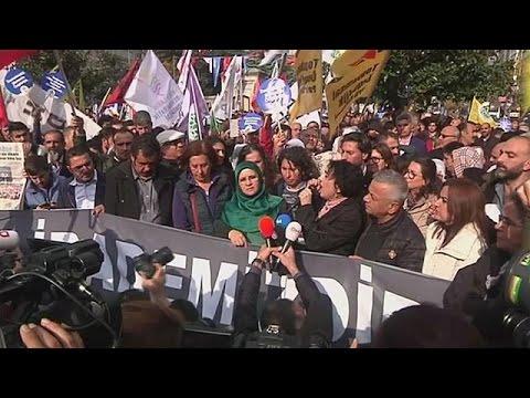 Turkey moves against leadership of pro-Kurdish HDP