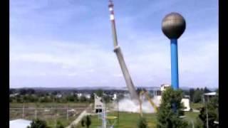 Odstřel komína v Železárnách Veselí nad Moravou