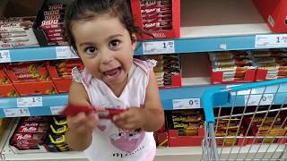 Ayşe Ebrar Niloya ile Markete Abur Cubur Alışverişine Gitti. For Kids Video