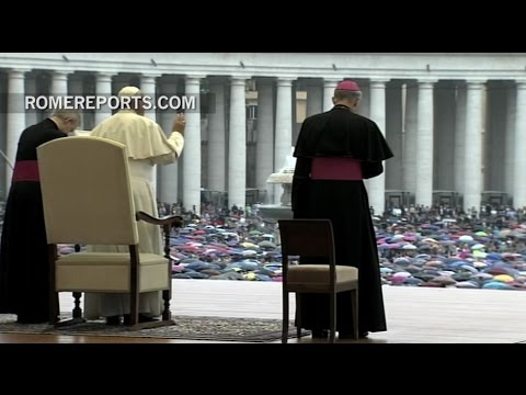 Pope Francis on refugee crisis: We have the duty of welcoming those who flee from war or hunger