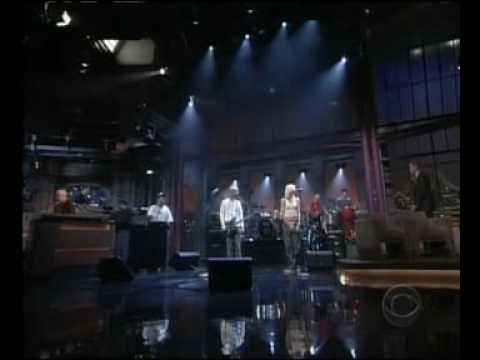 Moby and GWEN STEFANI - South side (live)
