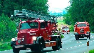 Колонна ретро-пожарных автомобилей на дорогах Германии.