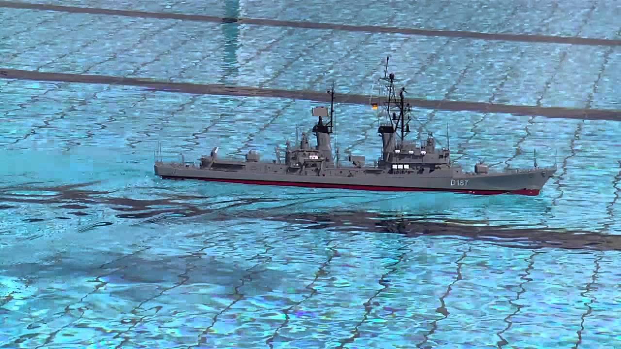 U-Boot jagt im Freibad D-187 Zerstrer Rommel - YouTube