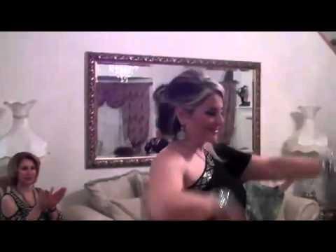 Hot Women with Sexy Stocking Tops and High Heels von YouTube · Dauer:  2 Minuten 11 Sekunden
