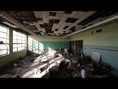 Exploring Abandoned Ghost Town School