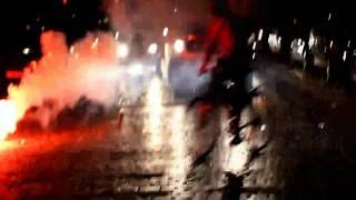 1. Mai 2010 Berlin - Mitten drin Polizei vs. Demonstranten - high quality HD