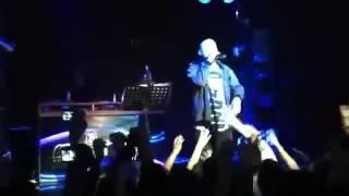 Баста получил по е*алу на концерте