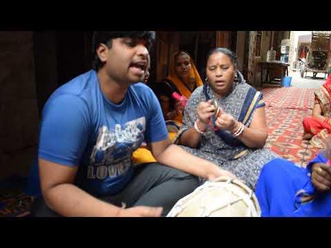 Latest mata bhajan lyrics in hindi bhawani maa tere dar pe