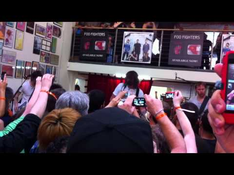 "Foo Fighters-""All My Life"" Live at Fingerprintz Record Store Long Beach Ca. 4-16-11"