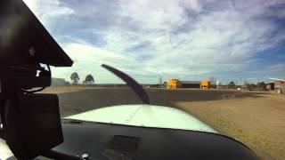 """Aterrizaje en aeropuerto de Guachochi """"Nosotros Volamos Donde Los Pajaros No Se Atreven"""""""
