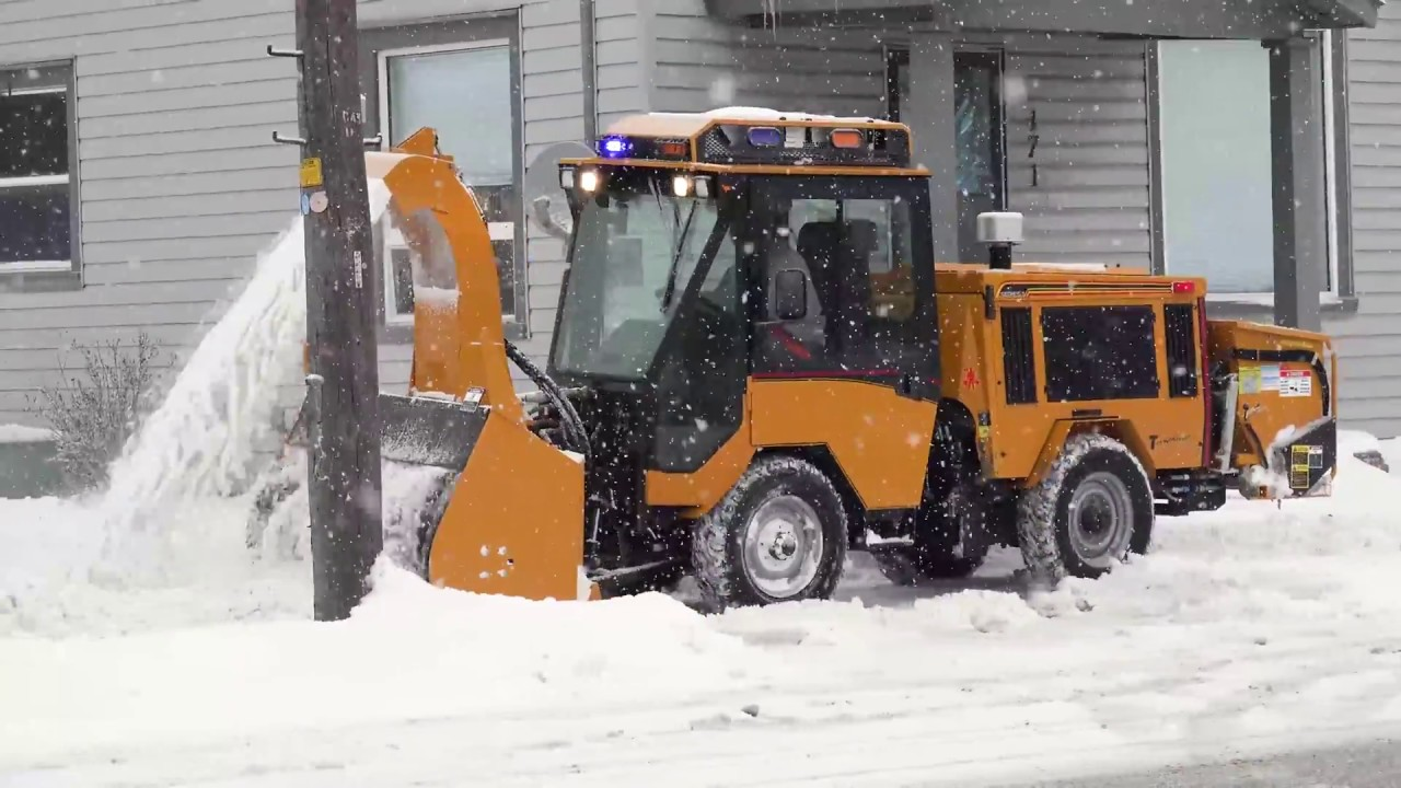 Sidewalk Tractor With Trackless Ribbon Snowblower Youtube