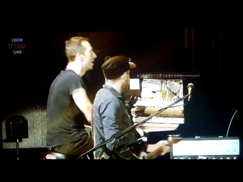 Coldplay unable to improvise Fix You - messed it up