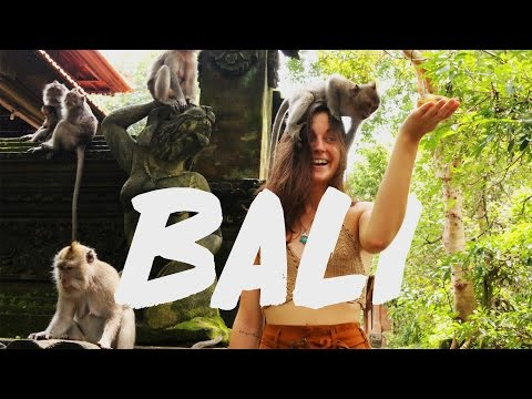 TEMPLES AND VILLAS IN BALI - Part 1 - (Vlog #8)