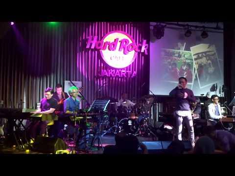 Indonesia 6 ft. Yana Julio ~ Aku Masih Cinta (Hard Rock Cafe Jakarta)