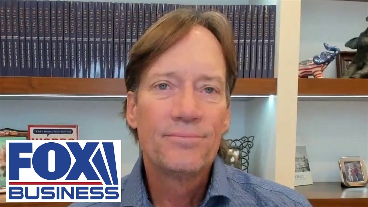 Download Kevin Sorbo speaks out after Facebook removed his page