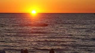 Relax очень красивый закат на берегу моря / Slow TV seascape