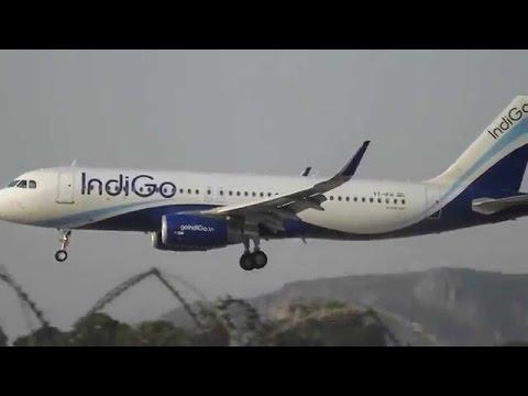 जयपुर एयरपोर्ट पर एयरोब्रिज से टकराया विमान   इंडिगो की फ्लाइट का विंग डैमेज   देखे वीडियो