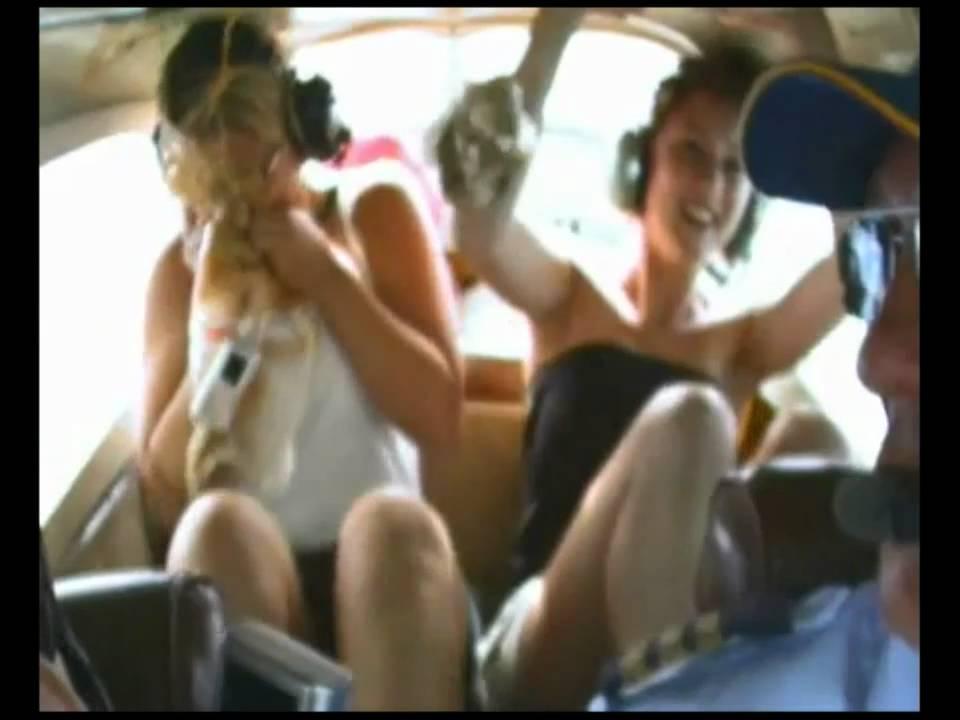 Nicloe in threesome video